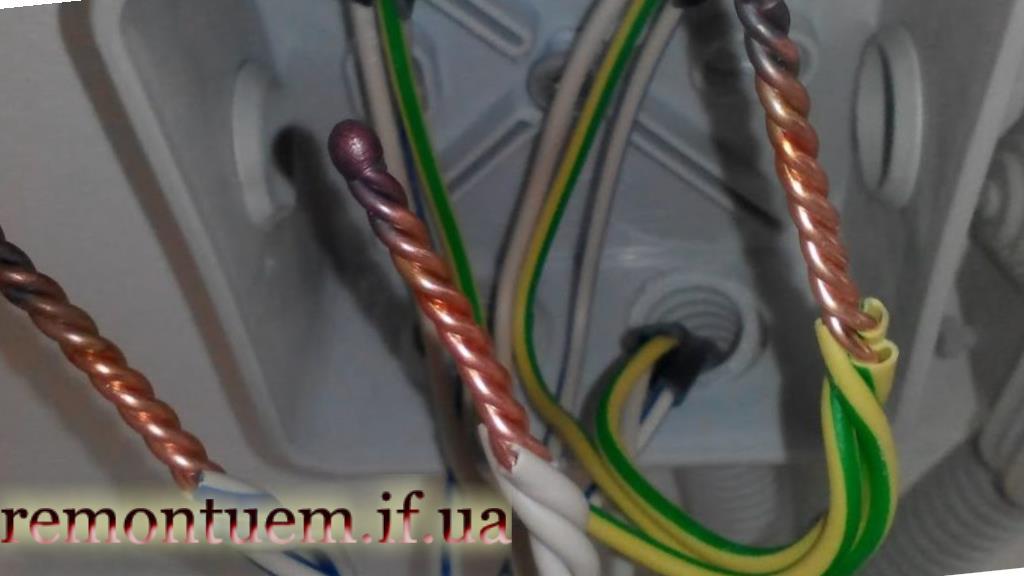 З'єднання проводів в розподільній коробці Івано-Франківськ