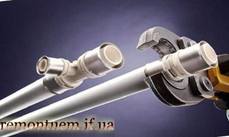 Монтаж пластикових труб Івано-Франківськ